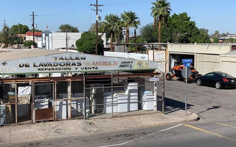 Firulais Vuelve A Dar El Buen Ejemplo Fue Captado Cruzando Un Puente En Tijuana La Voz De La Frontera